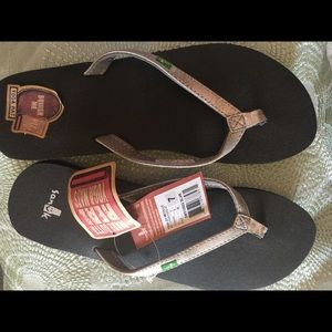 "cd6ee654342ce7 Sanuk Shoes - Brand-new Sanuk ""yoga joy metallic"" flip flops"
